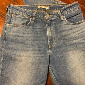 Levi's light was high rise skinny blue jeans 30